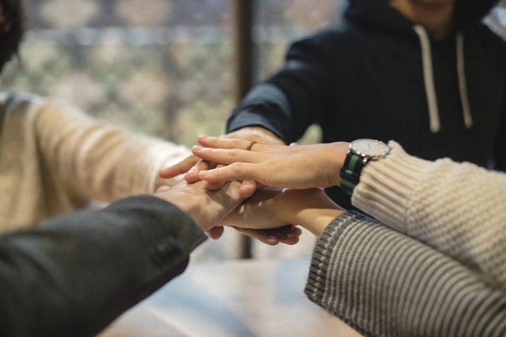 Cooperación entre socios JAK